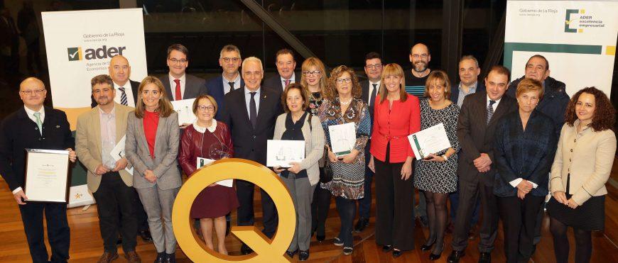 19/11/2018. El Gobierno riojano ha entregado los reconocimientos y Premios Excelencia en La Rioja a 10 empresas y entidades de la Administración