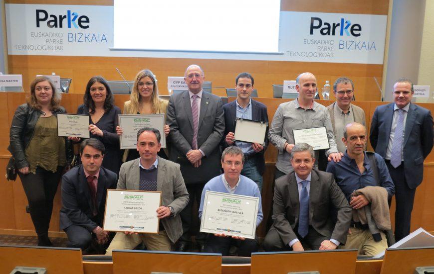 Euskalit entrega sus premios de Buenas Prácticas a la transformación digital a Begoñazpi Ikastola y Virtualware